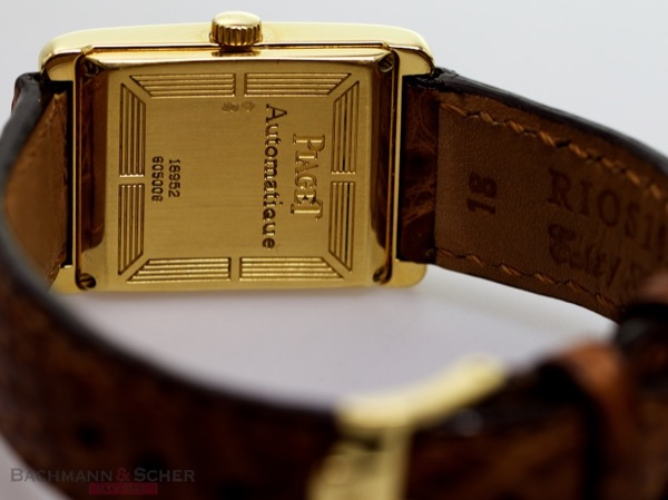 Copie de piaget-rectangular-automatic-ref-18952-18k-yellow-gold-box-bj-2000-d.jpg