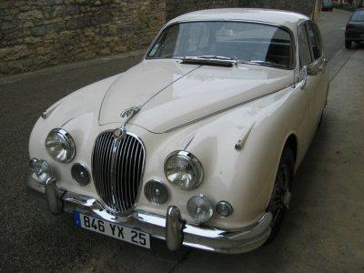 Jaguar_MK2_01.jpg